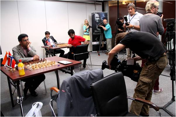 anand-carlsen1